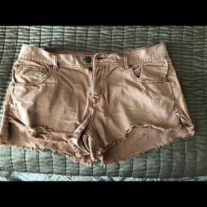 Pink jean Free People shorts